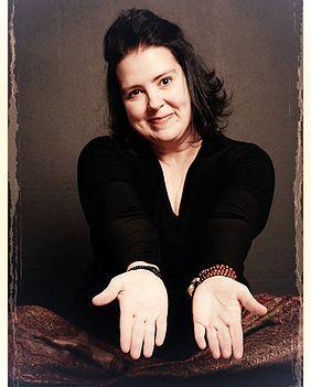 Leigh Hurst - Author